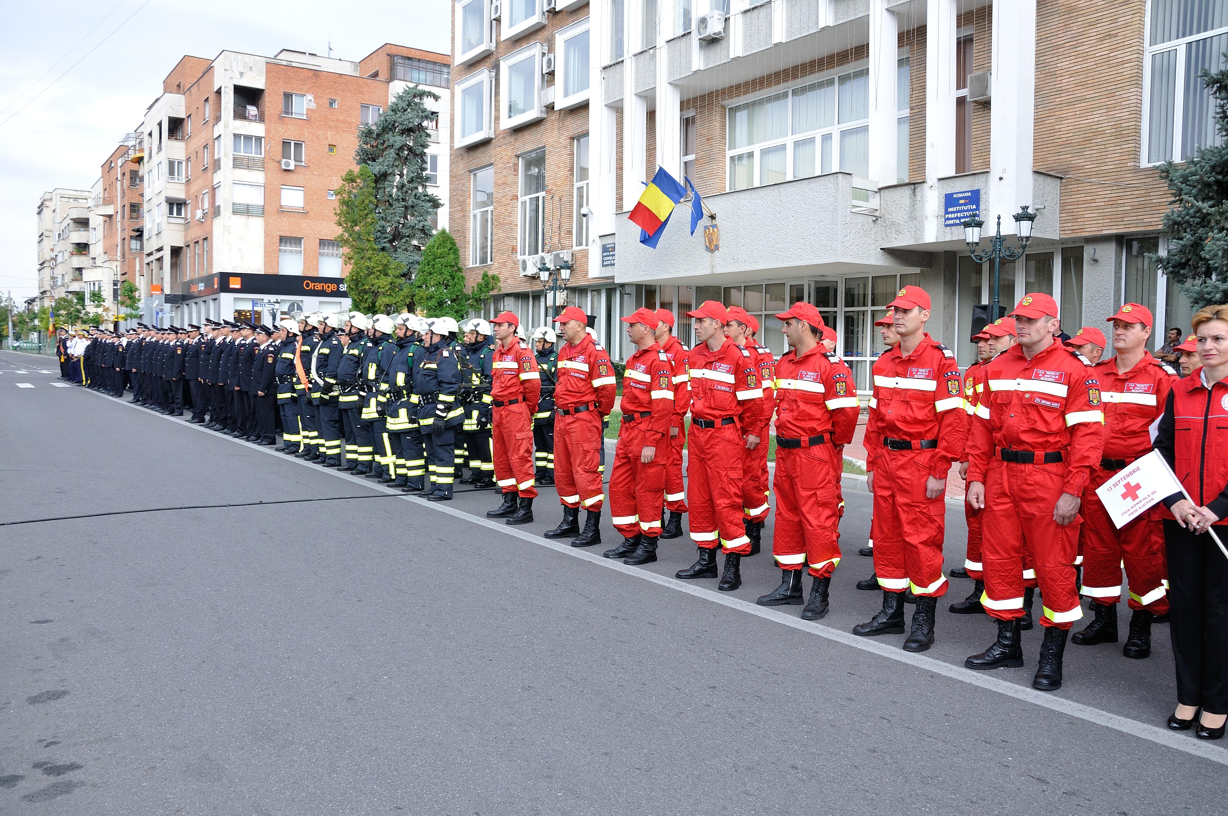 Intervenţii în weekend ale pompierilor mehedinţeni
