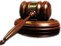 CCR: Prin adoptarea OUG 55, Guvernul a încălcat norme de tehnică legislativă şi implicit prevederi constituţionale. LISTA celor care ar putea rămâne fără funcţii