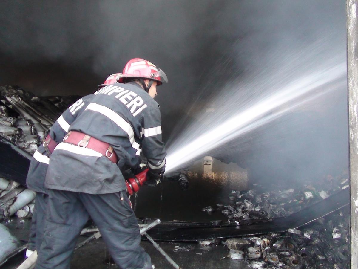 Incendiu într-o gospodărie din comuna Cujmir