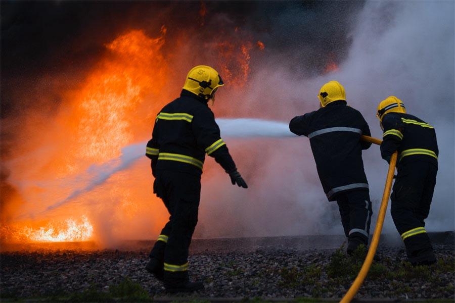 Patru incendii stinse de pompierii mehedinţeni în ultimele 24 de ore