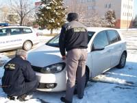Autoturism căutat de autorităţile române, indisponibilizat de poliţiştii de  frontieră mehedinţeni