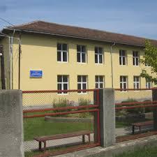 Pompierii organizează un exerciţiu de stingere a unui incendiu la  Şcoala Generală nr. 11 din municipiul Dr.Tr.Severin