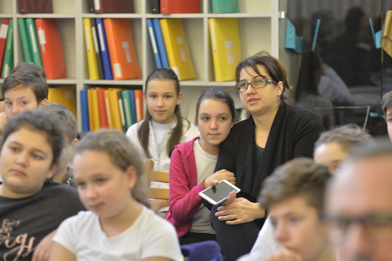 """English Language Program for Youths"" la Biblioteca Aman din Craiova"