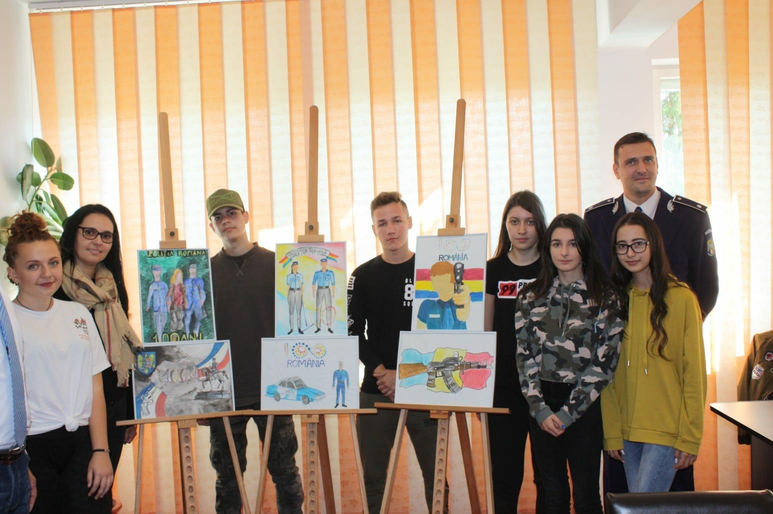 Expoziție de picturi la sediul Inspectoratului de Politie Județean Mehedinți