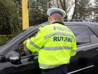 Minor depistat de polițiști în trafic la volan