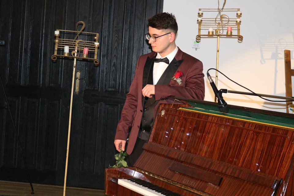 Recital în scopuri caritabile al tânărului pianist Alexandru Doina