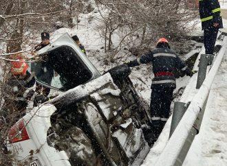 Autoturism răsturnat la Orşova