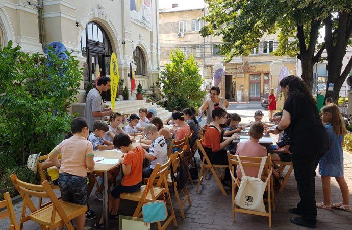 "Biblioteca Judeteana ""Alexandru si Aristia Aman"" Craiova – partener Festival ""Puppets Occupy Street – REvolution Edition 2019"""